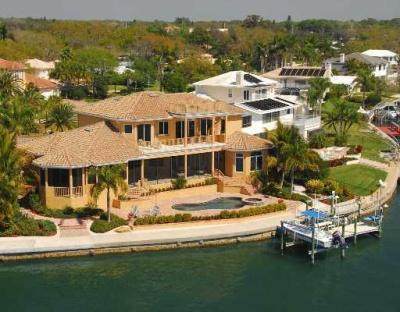 Sarasota waterfront homes for sale sarasota waterfront for Seafront homes
