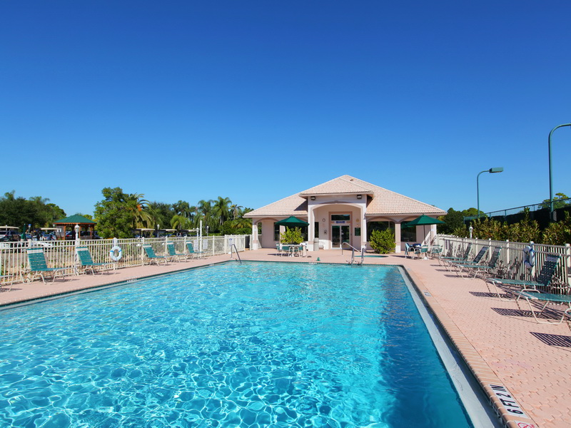 Stoneybrook Golf and Country Club Pool