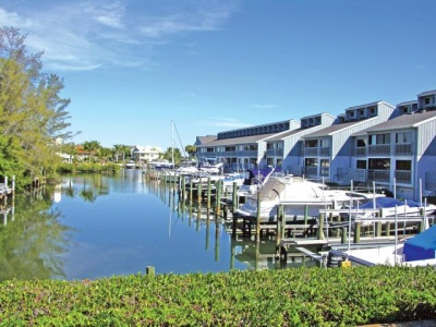 Harbour Towns Yacht Club Condos for Sale